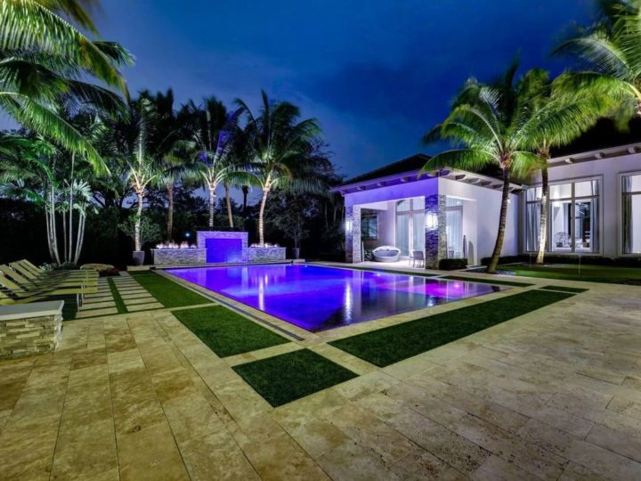 A Pinnacle Estate Home in Palm Beach Gardens, Florida Listed for $10,400,000