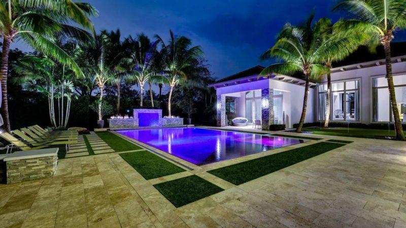 A Pinnacle Estate Home in Palm Beach Gardens, Florida Listed for $10,400,000