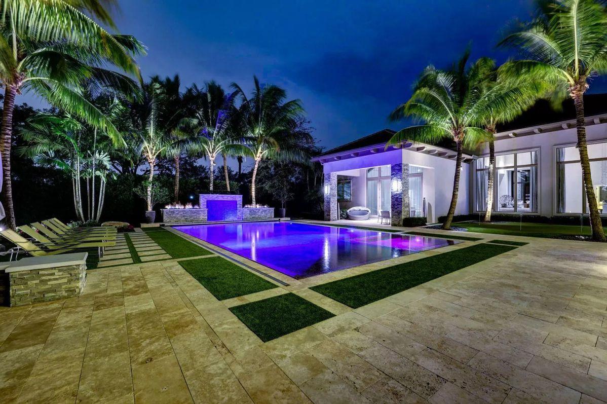 Home in Palm Beach Gardens