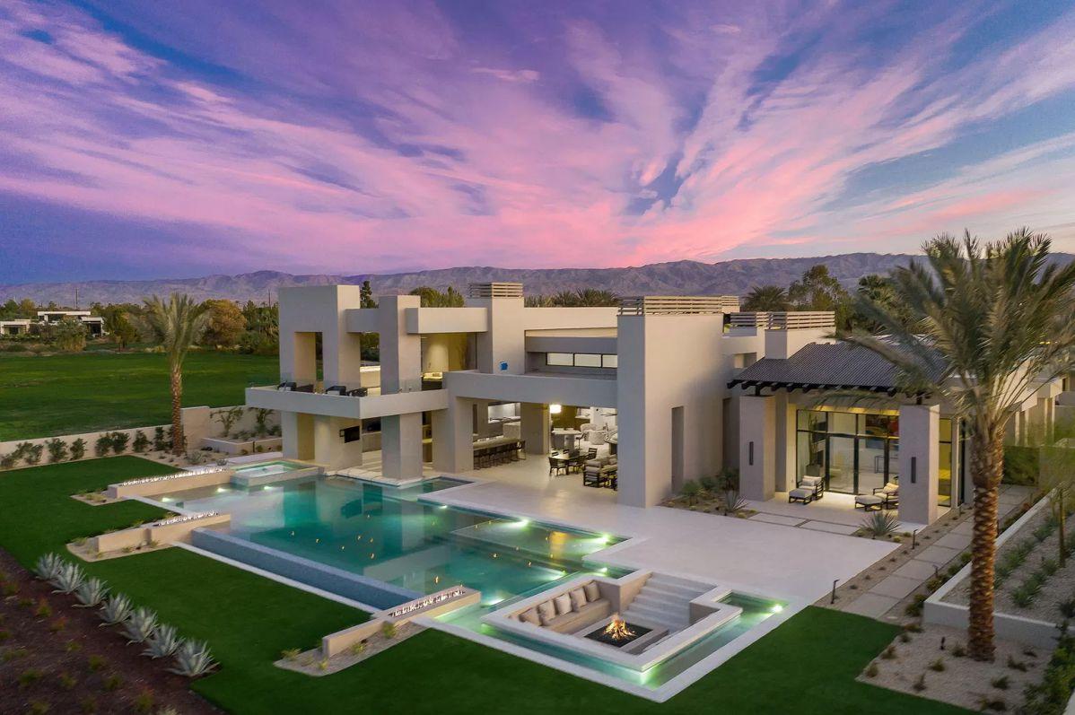 Desert Contemporary Home