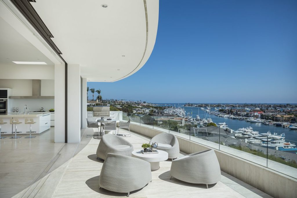 Dolphin Ter Contemporary Home
