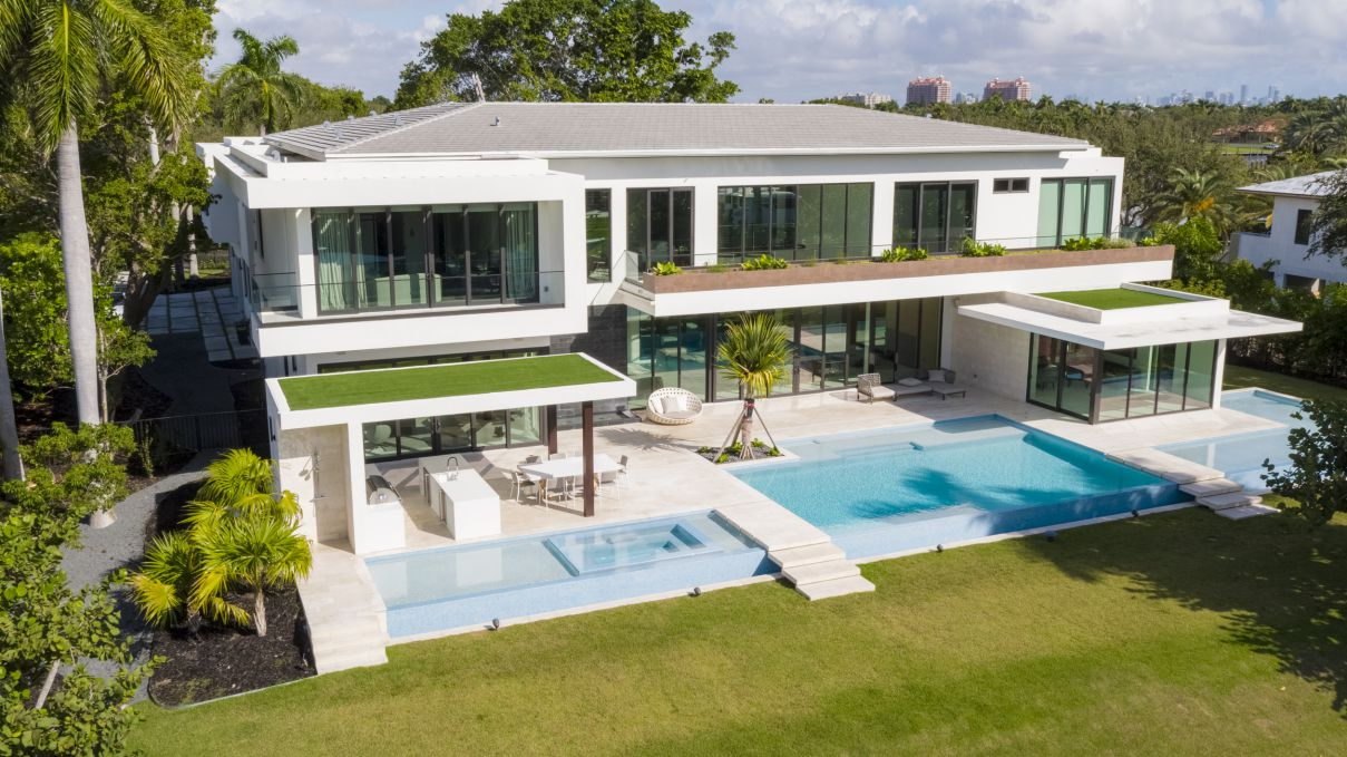 Starmarc II Residence in Miami, Florida by One Design Build