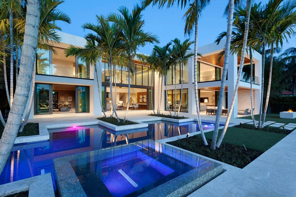 Modern Intracoastal Estate