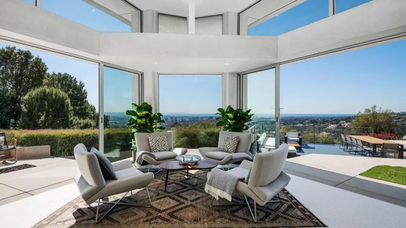$10 Million Beverly Hills Architectural Estate with Panoramic Ocean and City Views