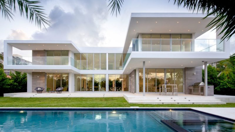 Golden Beach Drive Home in Florida By SDH Studio Architecture + Design