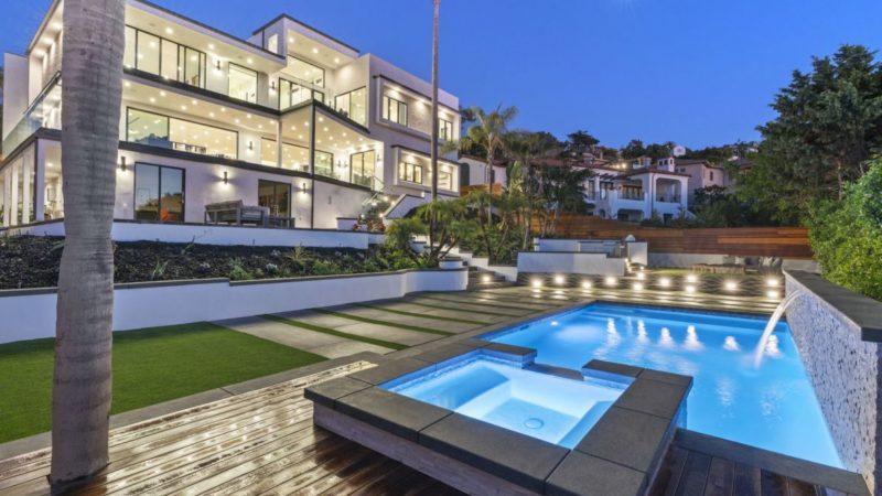 Tour of A Stunning La Jolla Modern Estate located at El Camino Del Teatro