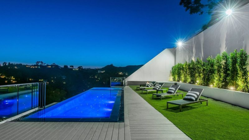 9459 Beverly Crest Drive – A Modern Construction in Beverly Hills offered at $7 Million