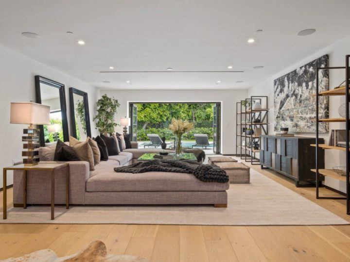 Beverly Hills Transitional Interior Design by Meridith Baer Home