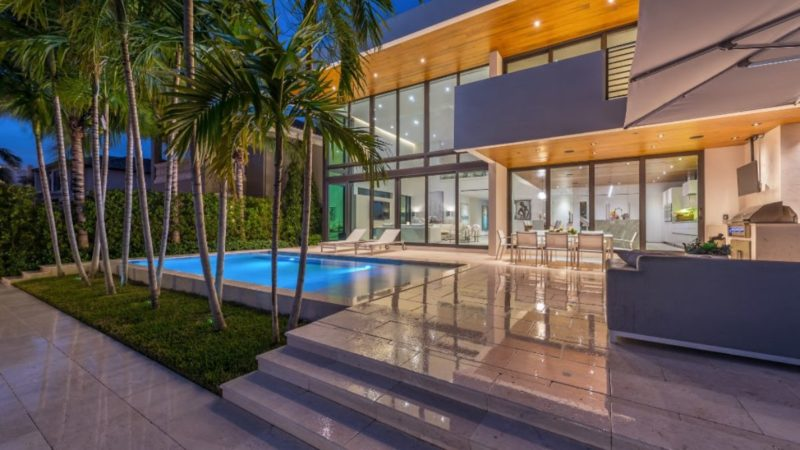 Solar Isle Home in Fort Lauderdale designed by One Design Build LLC