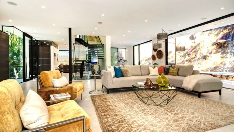 Ultra Modern House in Los Angeles by Modiano Design