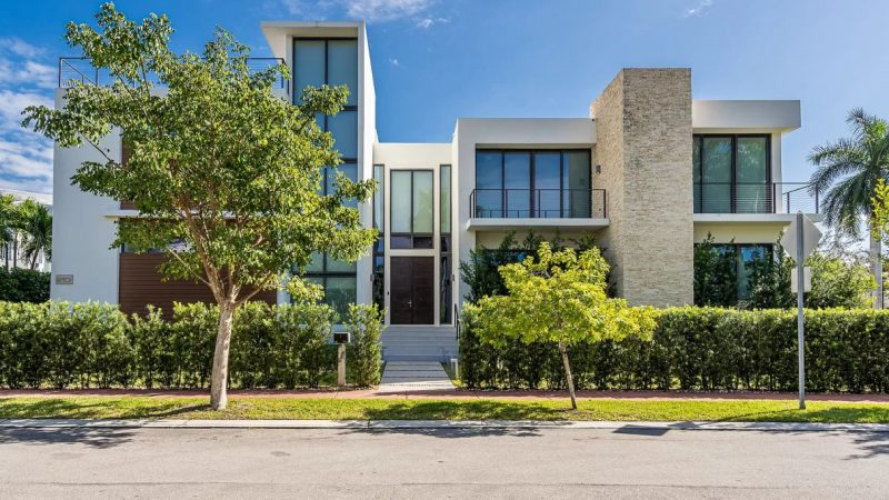 Miami Beach Estate located at Rivo Alto Drive listed for $4.5 Million