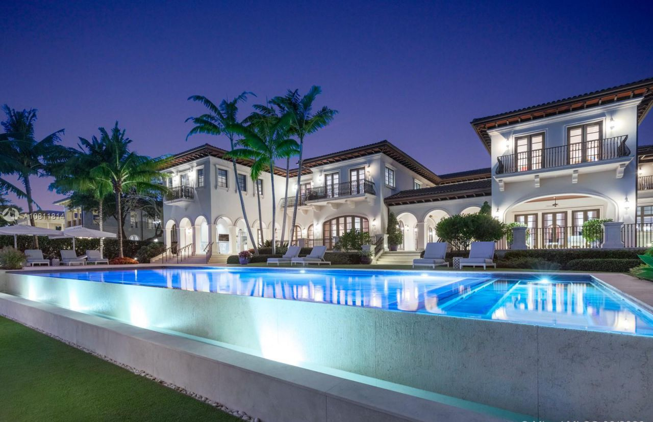 Waterfront Villa in Coral Gables
