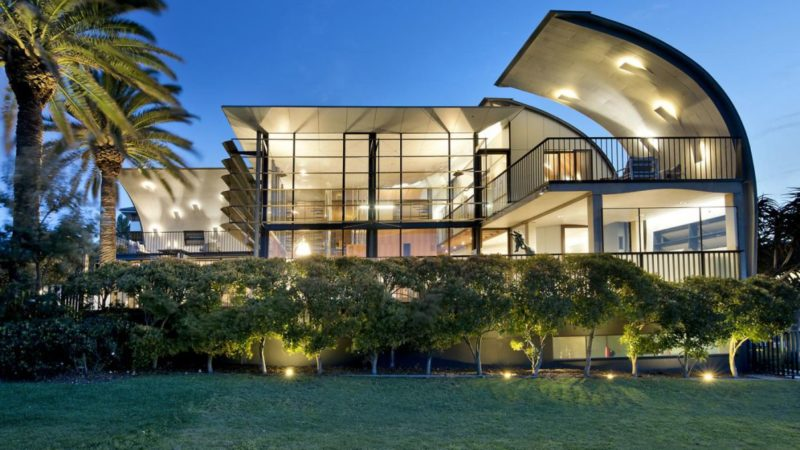 The Point House in New South Wales, Australia by Peter Stutchbury Architecture