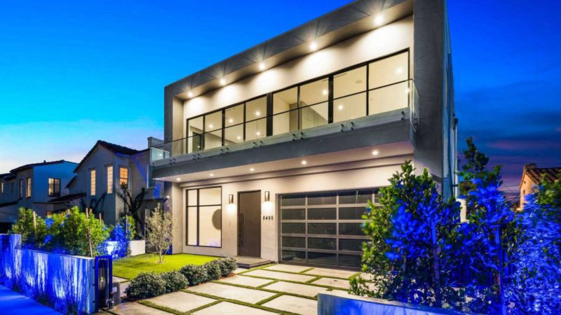 Exquisite Brand New Los Angeles Modern Home listed for $4.5 Million