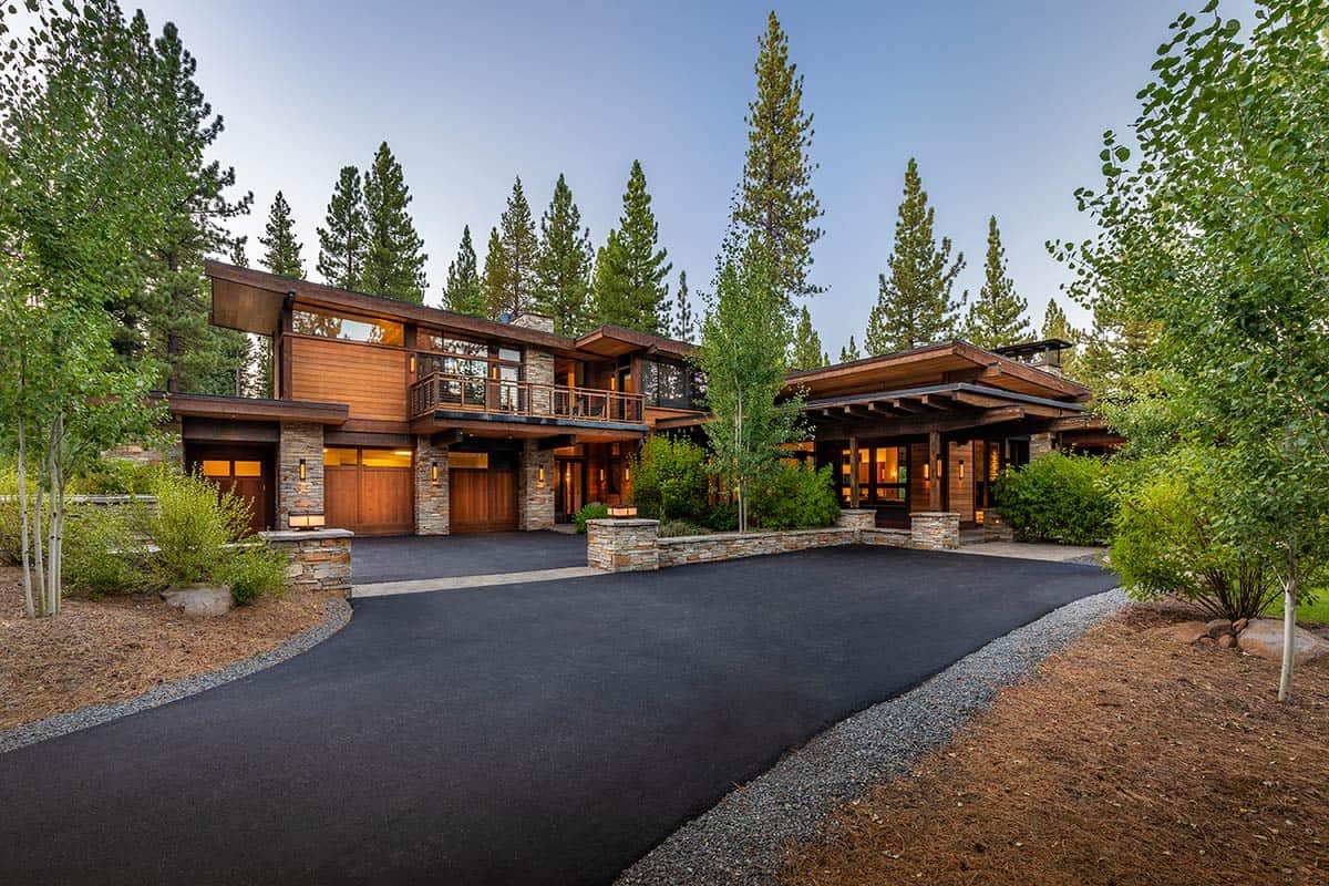 Wellscroft Modern Home