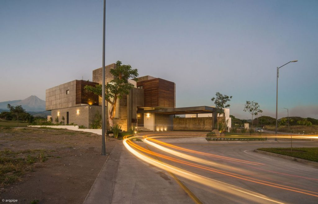 Arbo House in Colima