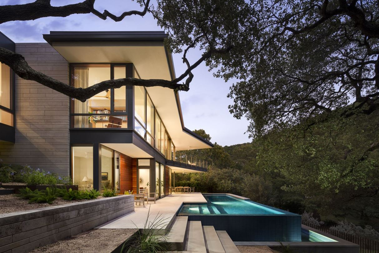 Lakeview residence in Austin