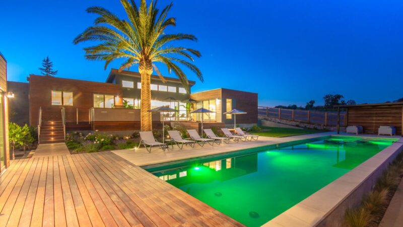 Napa Modern Home with Sweeping Vineyard Views lists for $6 Million