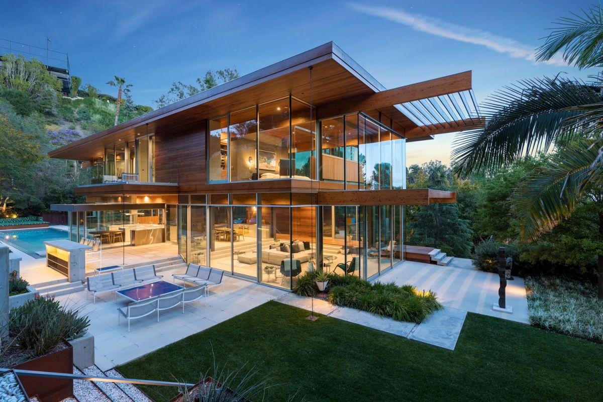 Beverly Hills Masterpiece