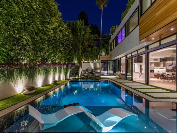 Doheny Modern Smart Home, modern home, los angeles