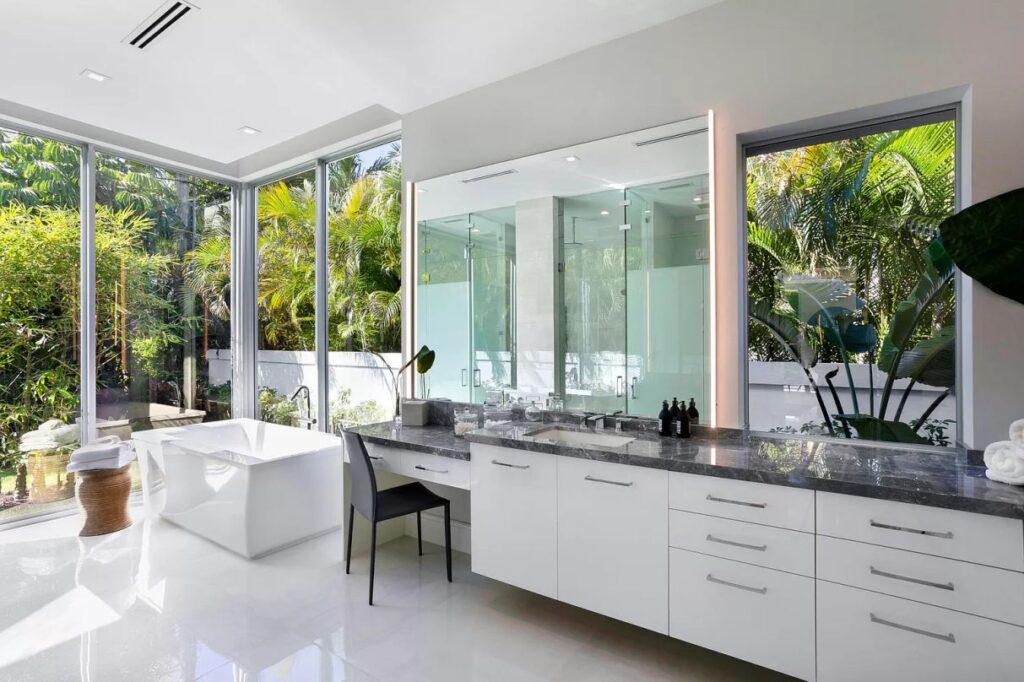 Boca Raton Mid-Century Home on prestigious Cocoanut Road
