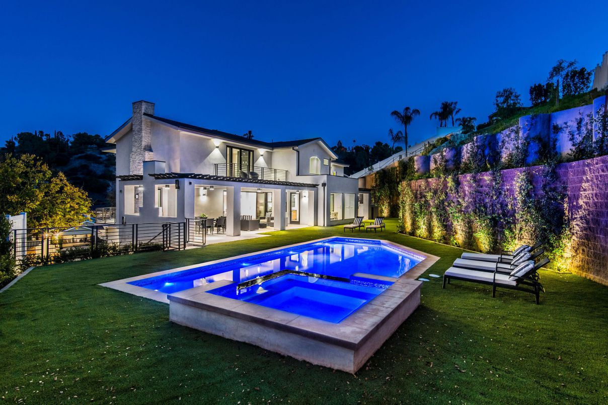 New Construction Home in The Heart of Encino, modern home