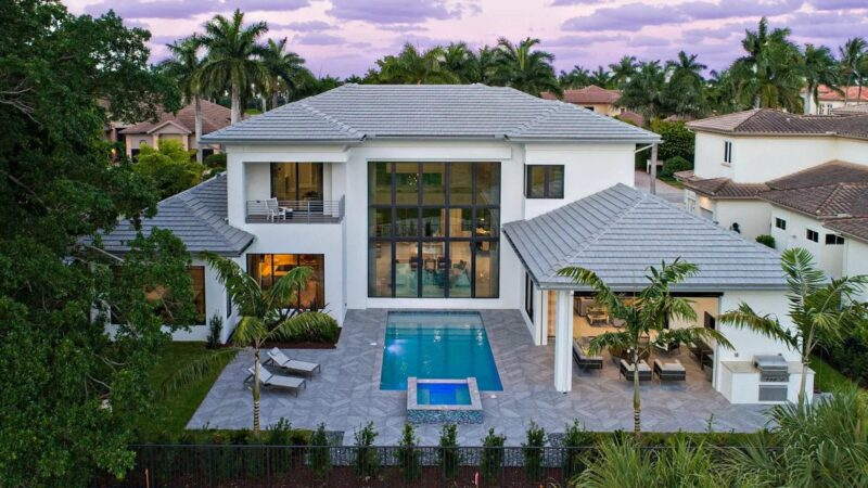 $4.9 Million Magnificently Designed Scarsdale Residence in Boca Raton