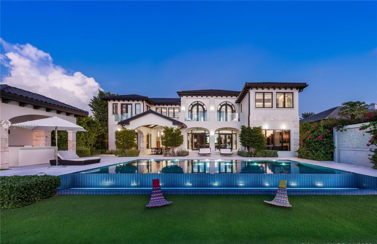 Waterfront Mansion in Miami Beach