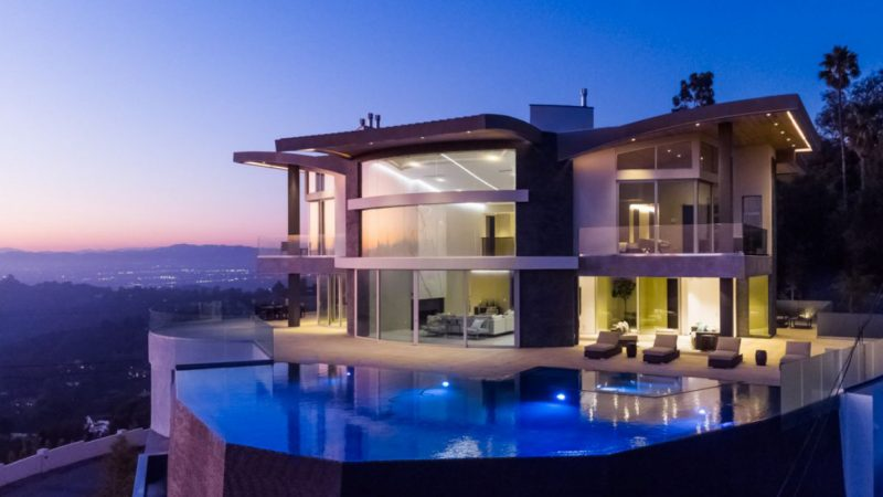 Modern Estate of Breathtaking Beauty in Beverly Hills listed for $13 Million