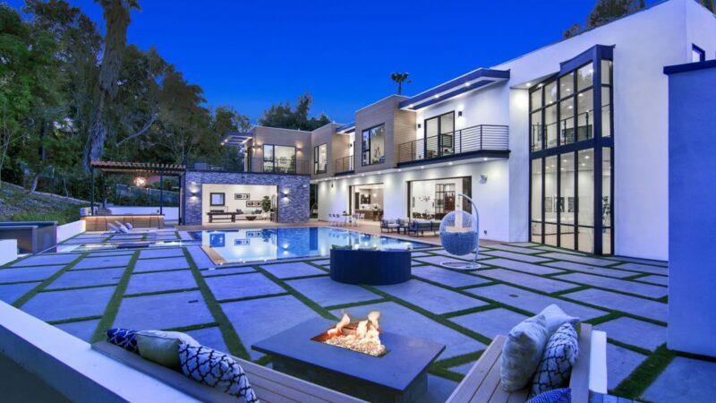 Brand New Tarzana Modern Masterpiece hits Market for $7 Million