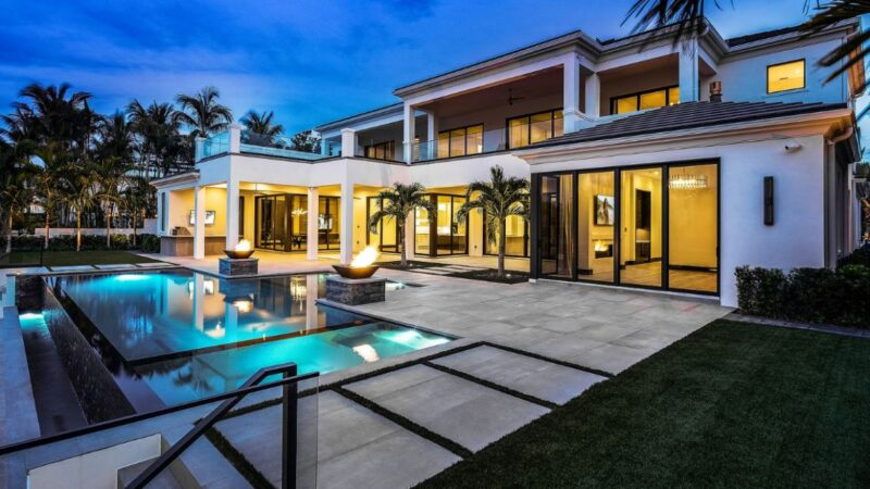 Coconut Palm Residence in Boca Raton by John D Conway Architect Inc