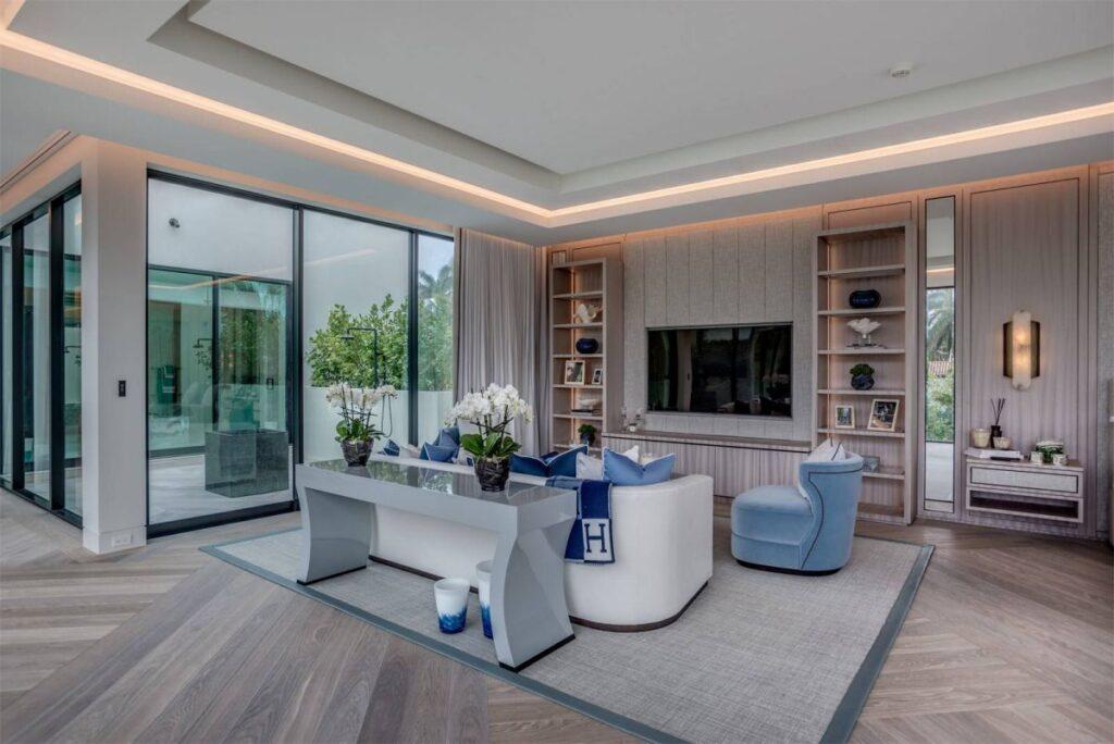 Sunset Island Modern Home in Miami Beach by Kobi Karp Architecture and Interior Design