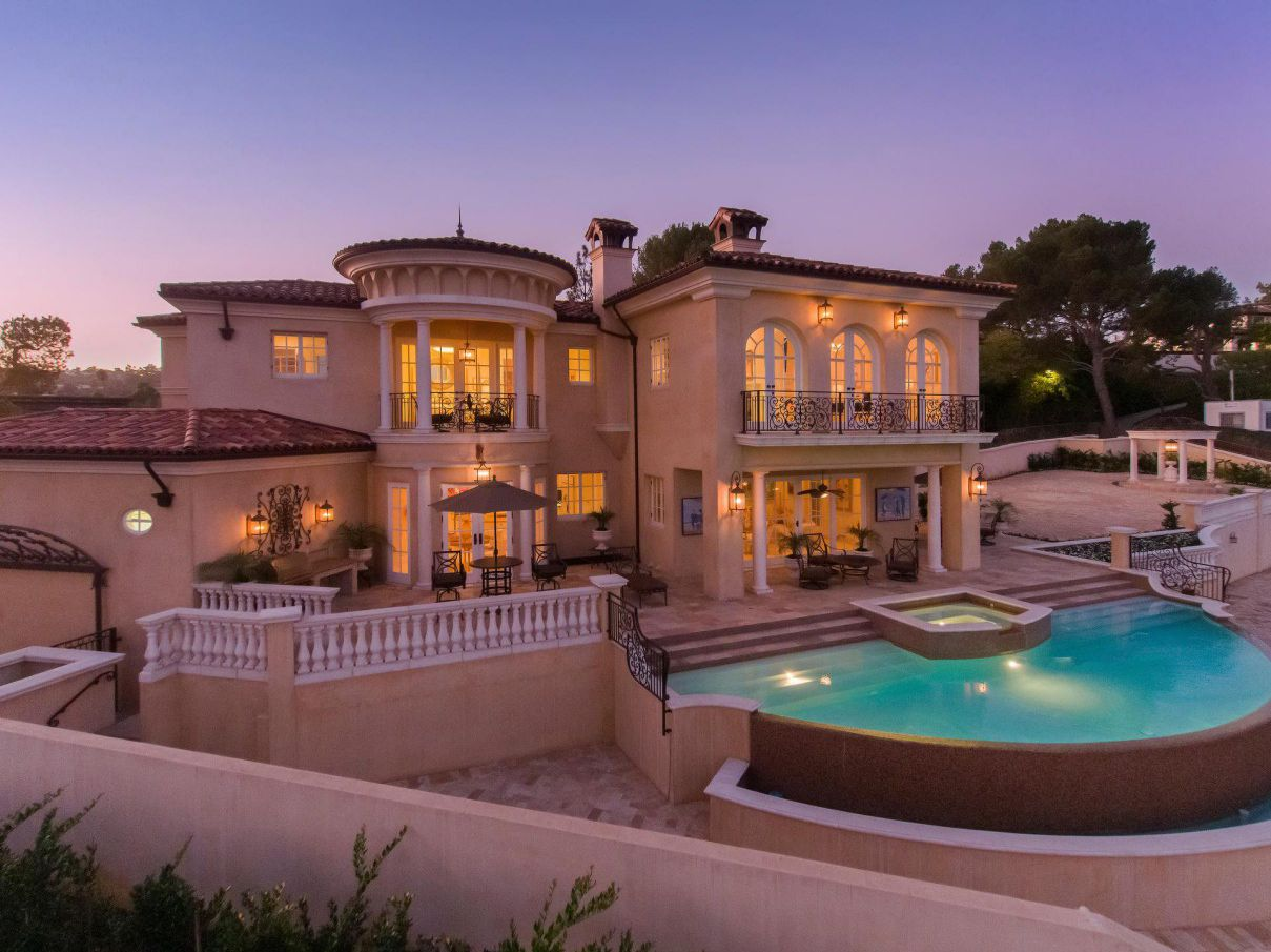 1142 Calle Vista Dr - A Work of Art in a Prestigious Beverly Hills for Sale