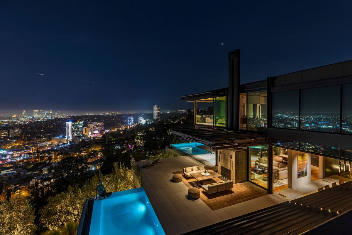 1301 Collingwood Place, Los Angeles - The Bond House of the Future for Sale, Olson Kundig