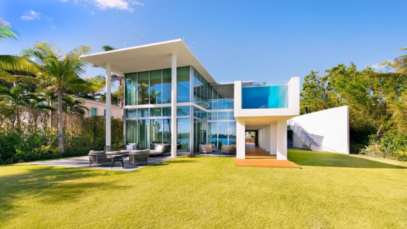Stunning Modern Home in Tranquil Venetians Islands for Rent $50,000 per Month