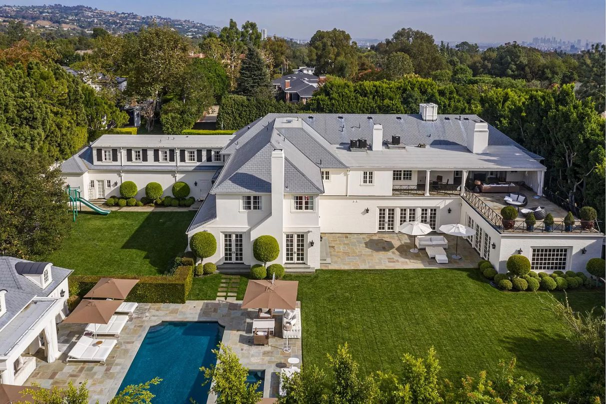 Exemplifies Classic Traditional Estate in Holmby Hills for Sale
