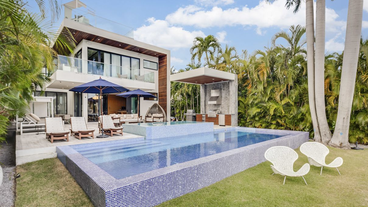 Stunning Dilido Tropical Modern Home In Miami Beach For Sale At 9 9m