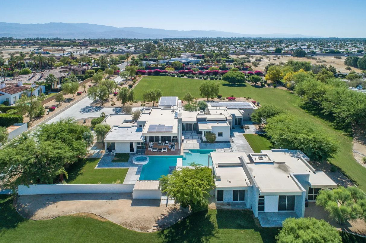 38235 Vista Dunes Rd - Sophisticated Contemporary Architecture for Sale