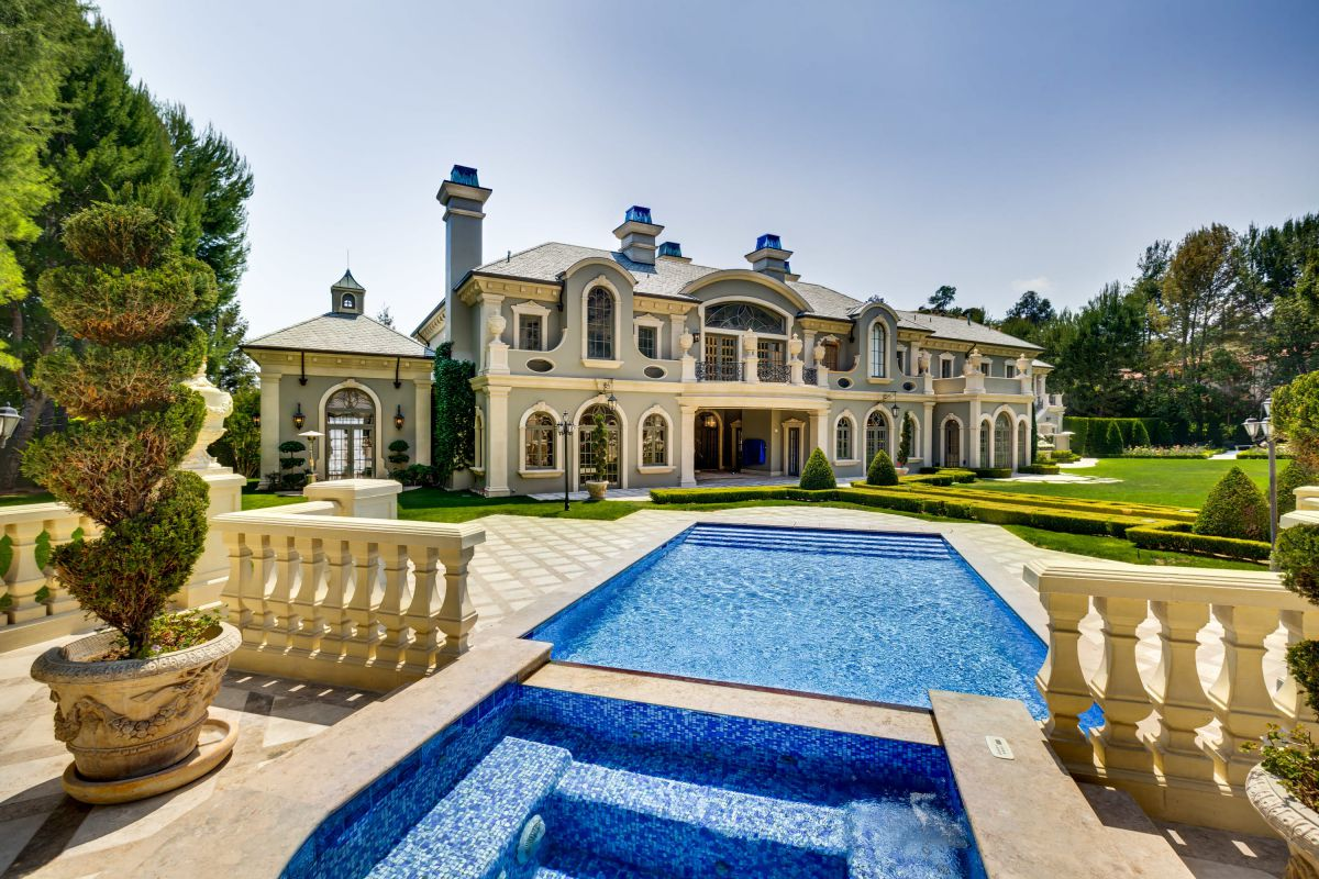 54 Beverly Park Way - Gorgeous Beverly Hills French Chateau for Rent