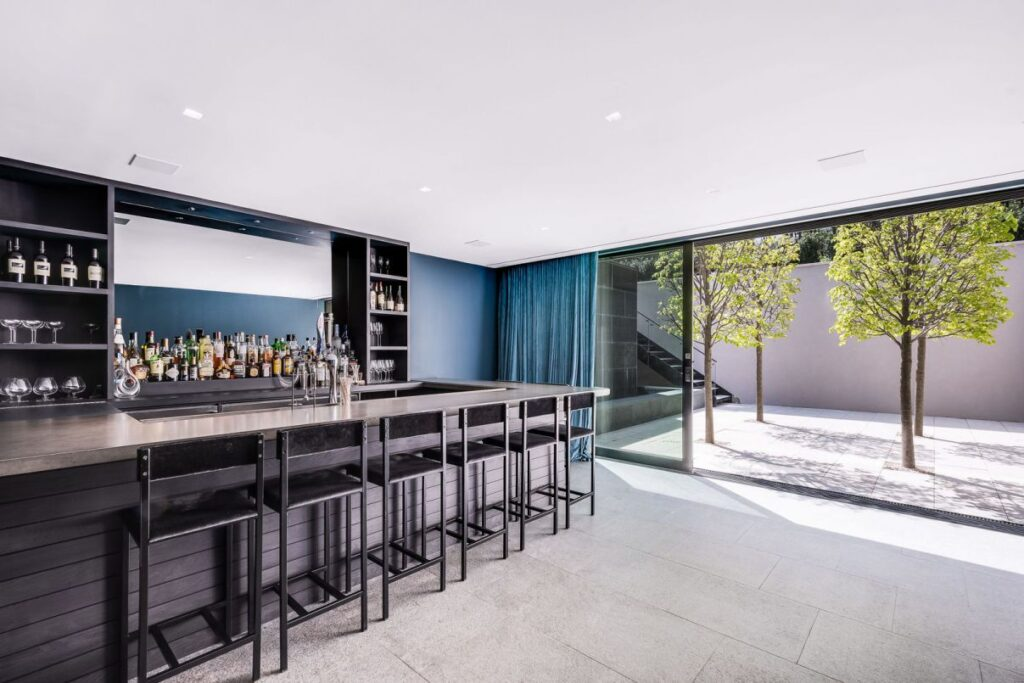 Totally Private Modern Masterpiece in East Hampton for Sale