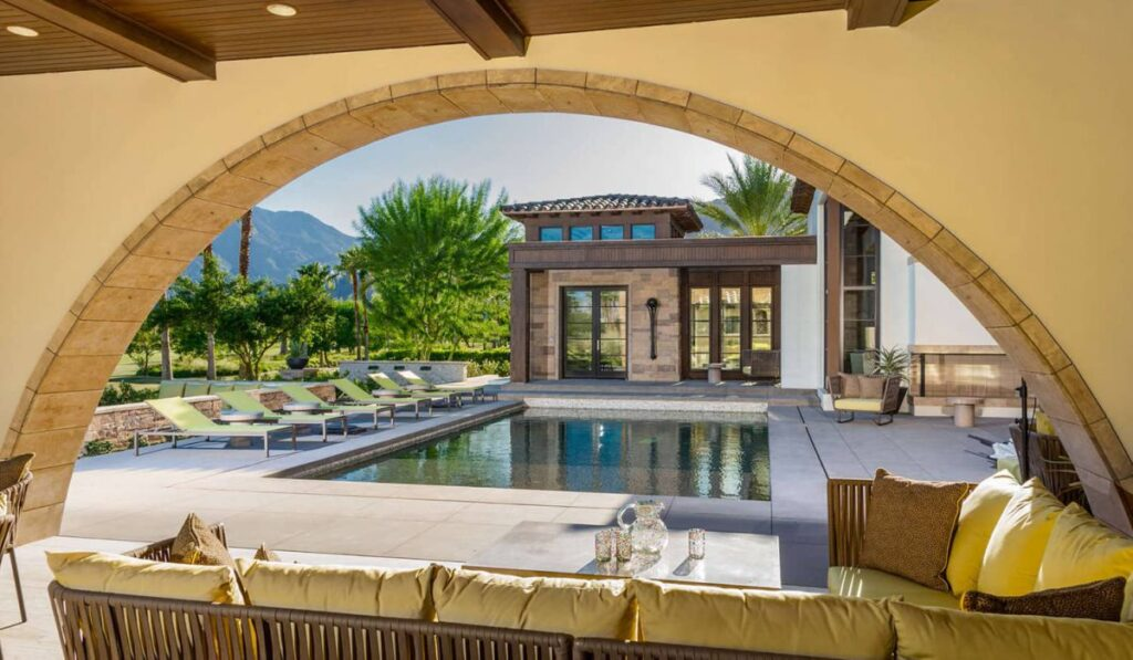 Bercaw Residence in La Quinta, California by South Coast Architects