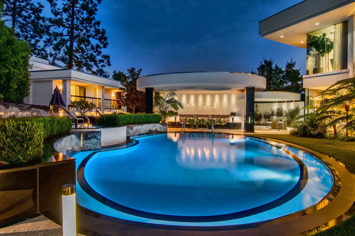 1000 Elden Way - An Exceptional Beverly Hills Estate for Sale