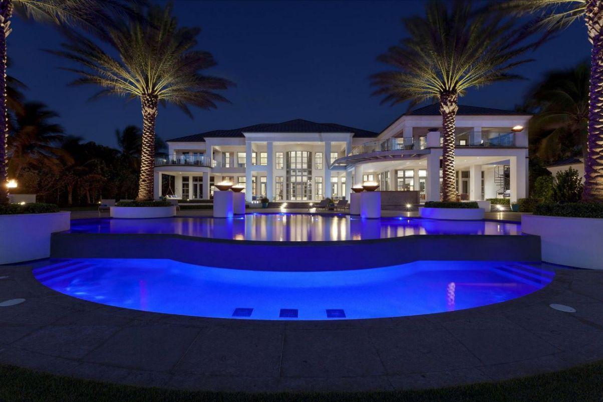 Ocean Boulevard Estate in Delray Beach, FL by John D Conway Architect Inc