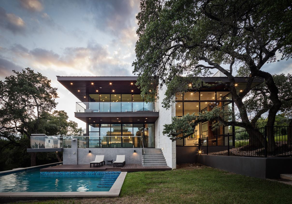 Red Bud Contemporary Residence in Austin by Bernardo Pozas Residential Design
