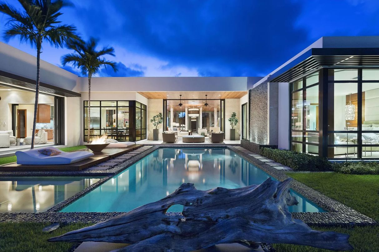 Spanish River Residence in Boca Raton, Florida by Affiniti Architects