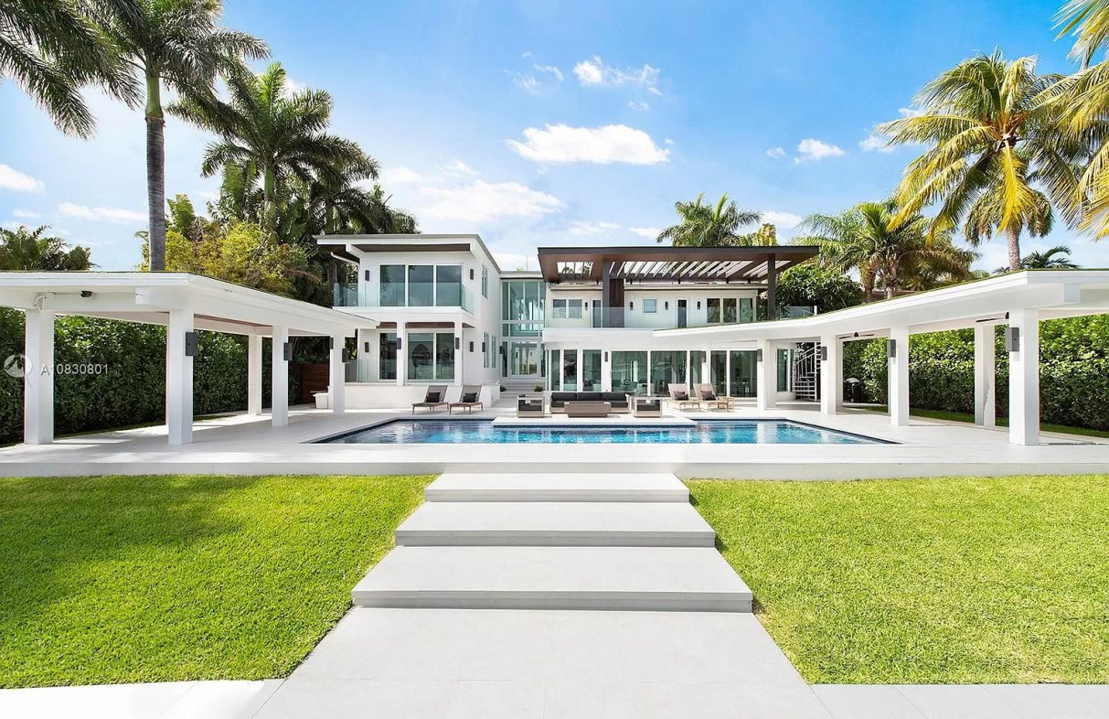 Waterfront Home on Venetian Islands, Miami Beach for Sale