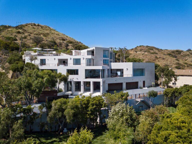 Magnificent Ocean View Home in Malibu, California