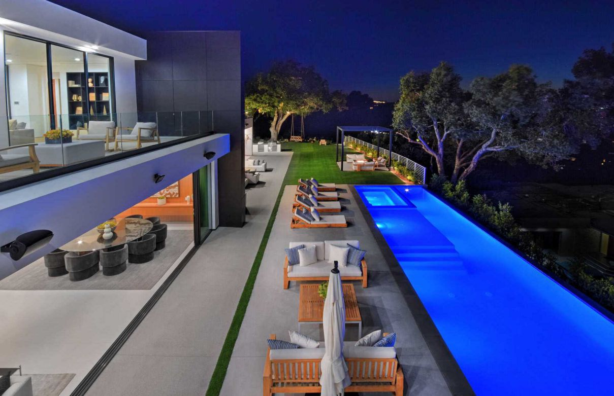 Alomar Architectural Masterpiece in Sherman Oaks on the Market