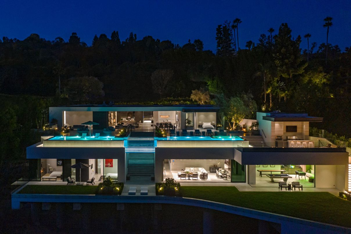 Beverly Hills New Mansion by Paul McClean hit Market
