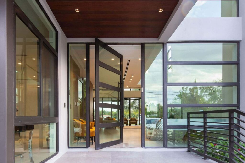 Biscayne Point Residence in Miami Beach by SDH Studio Architecture + Design